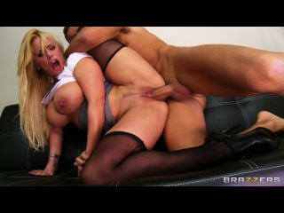 Personal Favors – Shyla Stylez & Keiran Lee (Big Tits at Work)